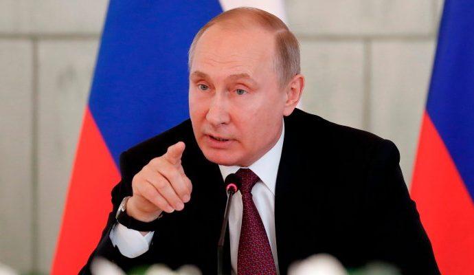 """فلاديمير بوتين ينتقد """"الليبرالية البالية"""""""