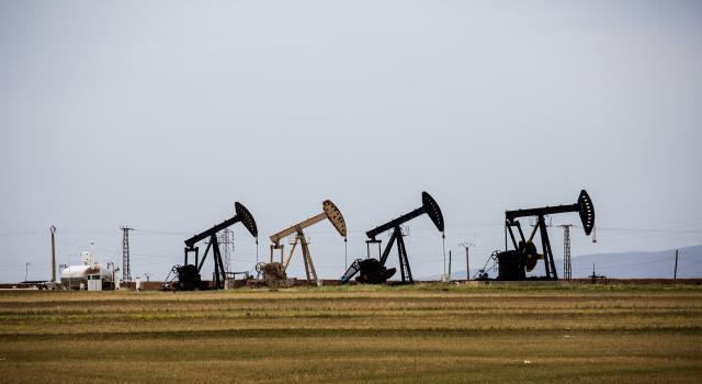 سرقة النفط السوري جريمة أمريكية منظمة