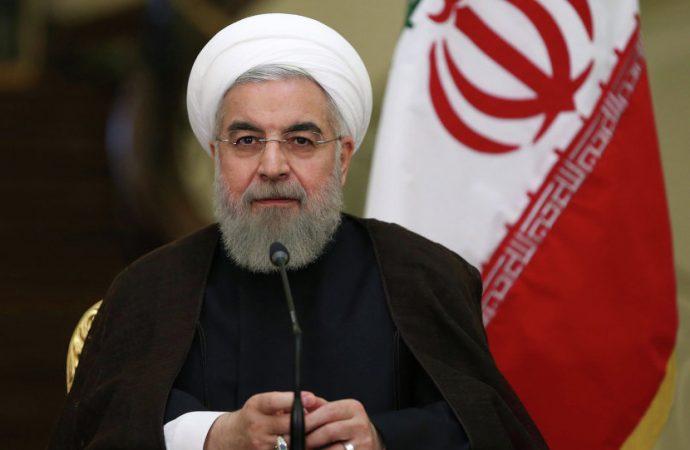 روحاني: على واشنطن التخلي عن سياسة الضغوط