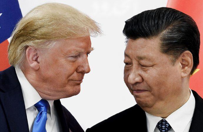 ترامب يصعد الحرب التجارية في الوقت الأسوأ
