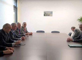 بناء على طلبهما.. وفد مجلس الشعب  في بلغراد يلتقي وفدي فرنسا وبريطانيا