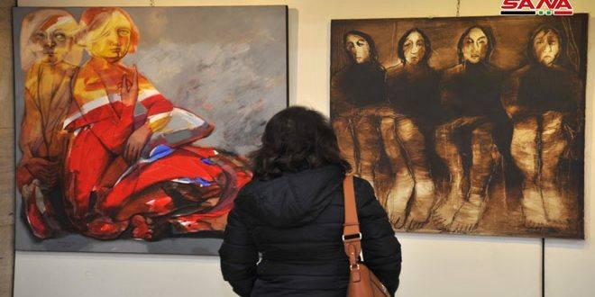 يخافون على مستقبلهم  فنانو الألوان.. أعباء مادية مؤثرة في مسيرة إبداعهم وأعمال تجمع بين الموهبة والدراسة
