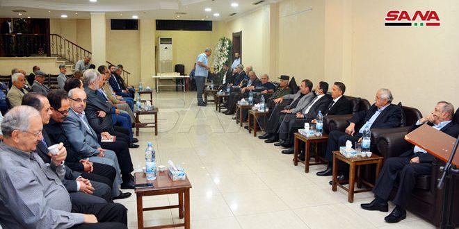بتكليف من الرئيس الأسد محافظ اللاذقية يقدّم واجب العزاء باللواء غريب