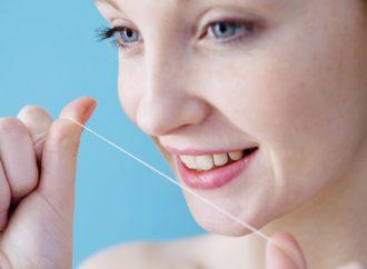 تنظيف الأسنان يحمي من أمراض القلب