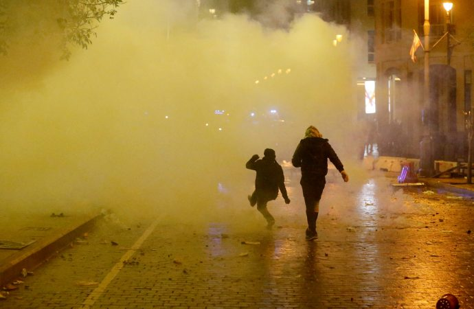 الأمن اللبناني: عبوات متفجّرة مصنّعة يدوياً استخدمها محتجو بيروت