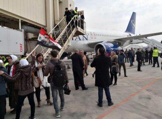 بعد انقطاع ثماني سنوات.. أول رحلة جوية تصل حلب
