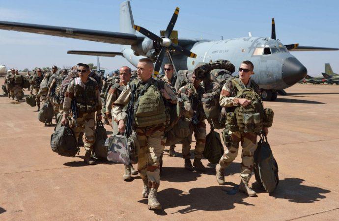 القوات الفرنسية تخرج من العراق