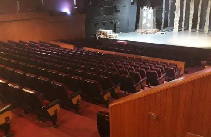 هل  انتهى زمن المسرح كفن جماهيري؟