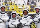 4 سياح ينطلقون للفضاء على سبيس إكس